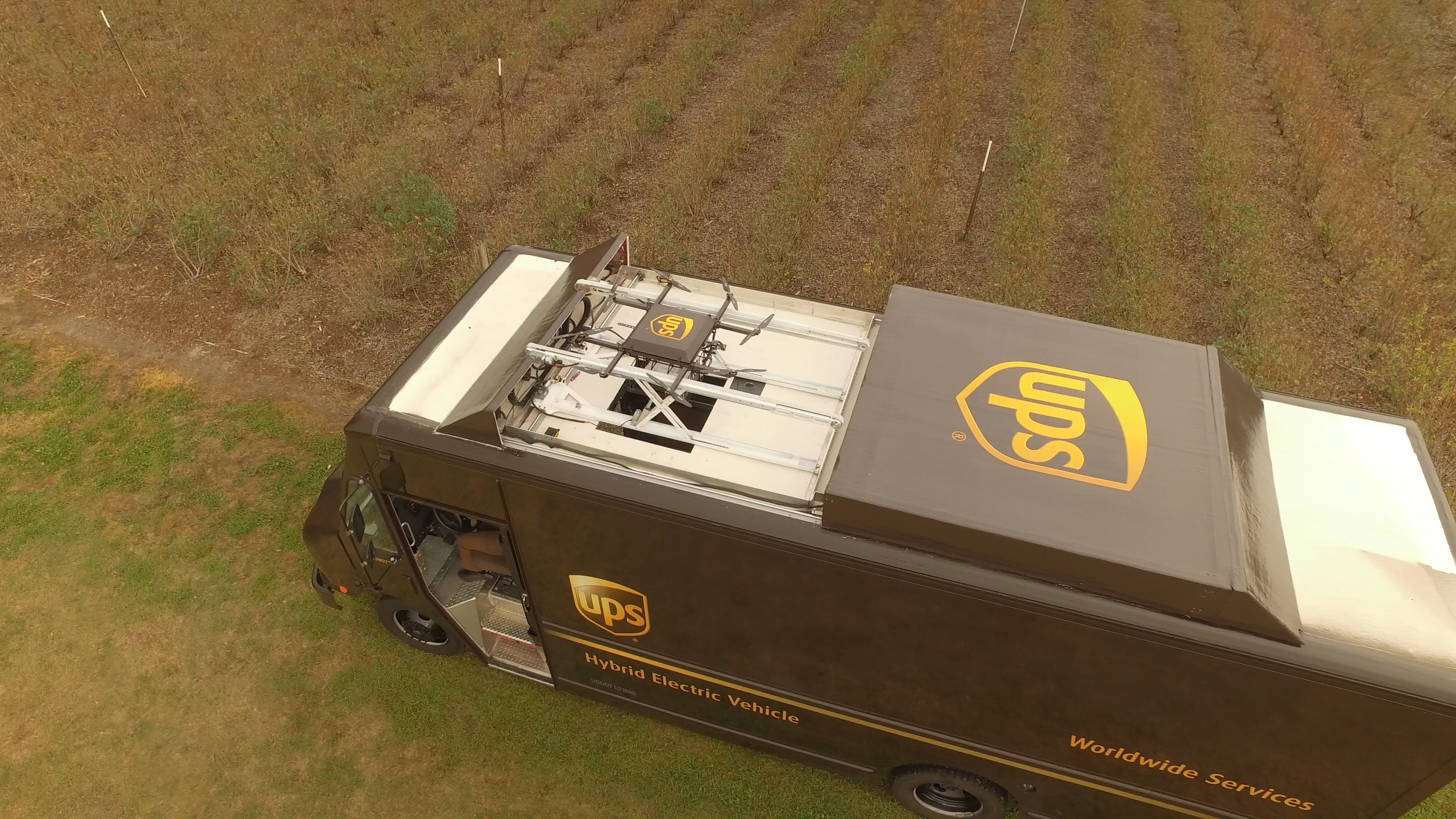 mobile0c9a66_assets_img_media_UPS20Florida20Drone202 UPS Deploys Delivery Drone from Workhorse Battery-Electric Fleet Vehicle