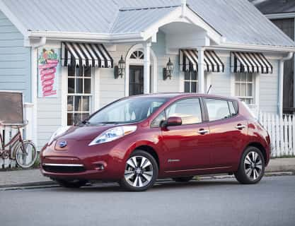 Nissan Celebrates Record Sales of LEAF Plug-in Electric Vehicles