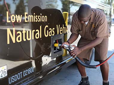 10726_ups UPS Inks Renewable Natural Gas Deal with Clean Energy Fuels