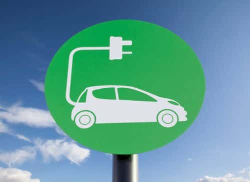 10807_thinkstockphotos-162232988 Report: Global Market for EV Charging Stations to 'Skyrocket' by 2020
