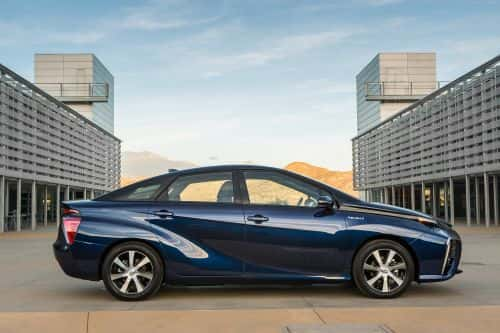 10899_2016_toyota_fuel_cell_vehicle_028 Toyota: Mirai Hydrogen EV Offers 67 MPGE, 'Record Setting' Range
