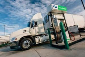 clean-energy-fuels-truck-300x200 Clean Energy Wins CNG Contract, Touts Calif. Clean Air Laws