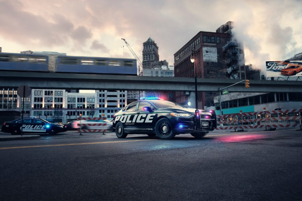 Ford Makes Headlines with All-New Pursuit-Rated Hybrid Police Car